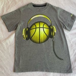 🌸SALE 3for$15 Nike T-Shirt Youth Small